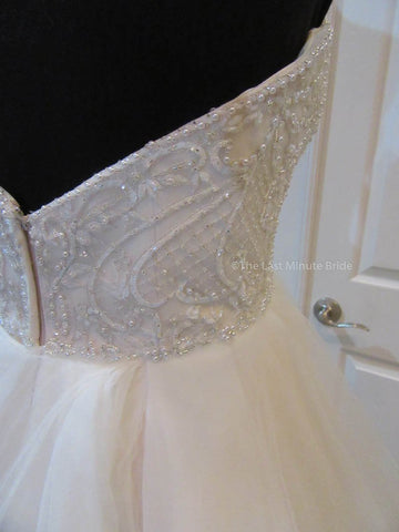 42.0 Hips Wedding Dress