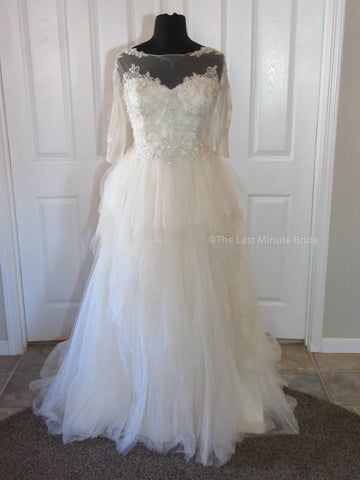100% Authentic Beautiful by Enzoani BT17-6 Wedding Dress