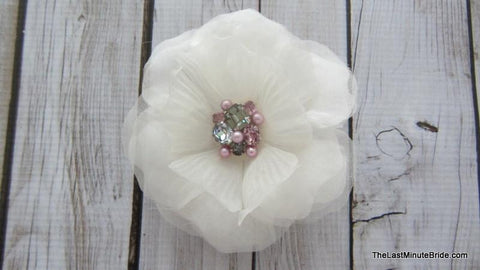 HAIR ACCESSORY  - IVORY SILK FLOWER