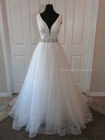 100% Authentic Mariah wedding dress from The Last Minute Bride