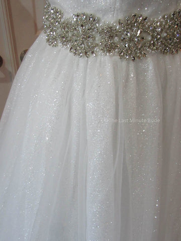 43.0 Hips Wedding Dress