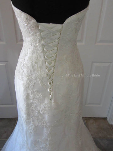 47.0 Hips Wedding Dress