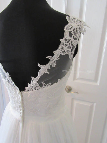 37.5 Hips Wedding Dress