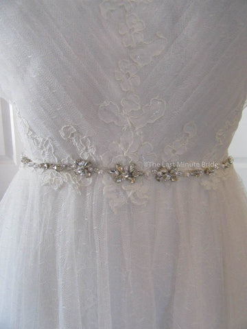 42.5 Hips Wedding Dress