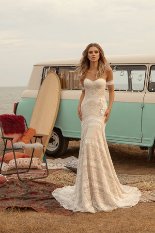 Agness by Ariamo Bridal
