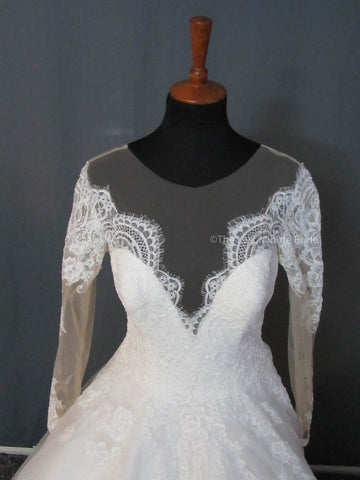 Sweetheart (Not Strapless) Wedding Dress