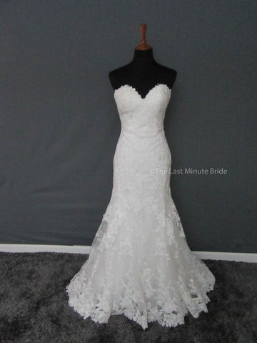 100% Authentic Essense of Australia D2109 Wedding Dress