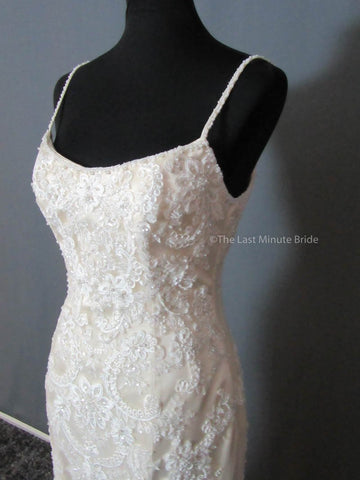 Scoop Wedding Dress