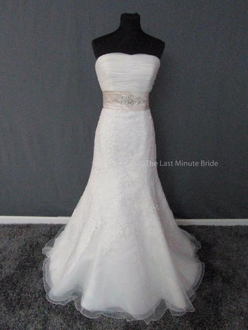 100% Authentic Allure 8908 Wedding Dress