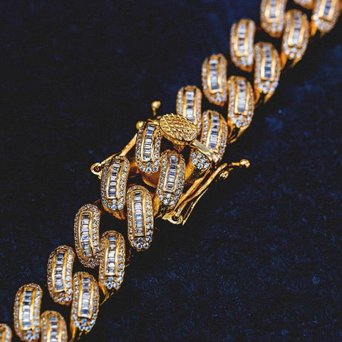 Bugatti Cuban Link Necklace (19mm) in Yellow Gold