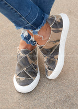 Load image into Gallery viewer, Ivette Slip-On Sneaker- CAMO