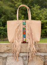Load image into Gallery viewer, Breezy Tote- Shakira By Consuela