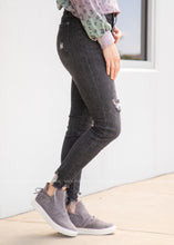 Load image into Gallery viewer, Cora Black Distressed Skinny Jeans