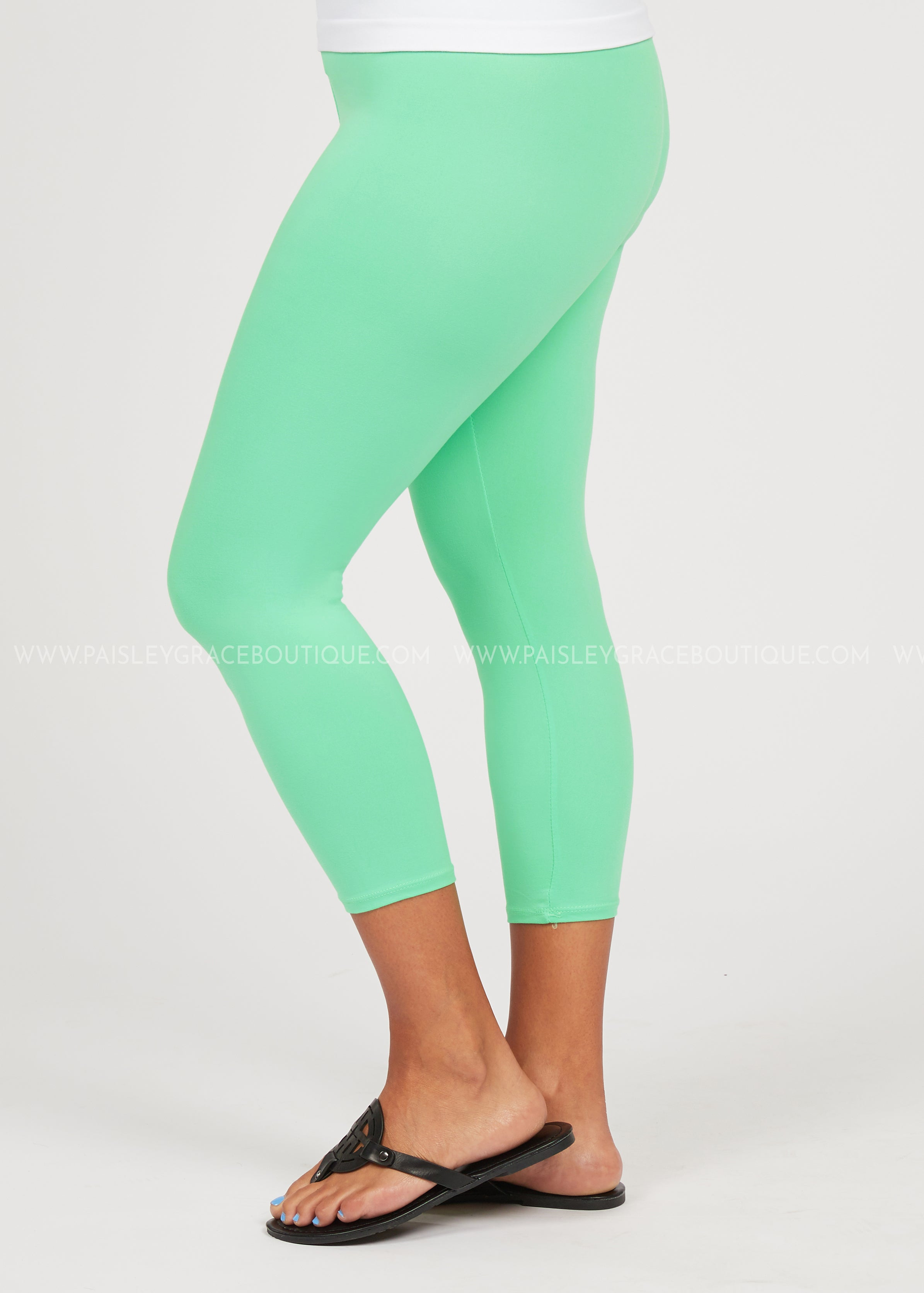 Butter Capri Legging-Reg. or Plus-MINT