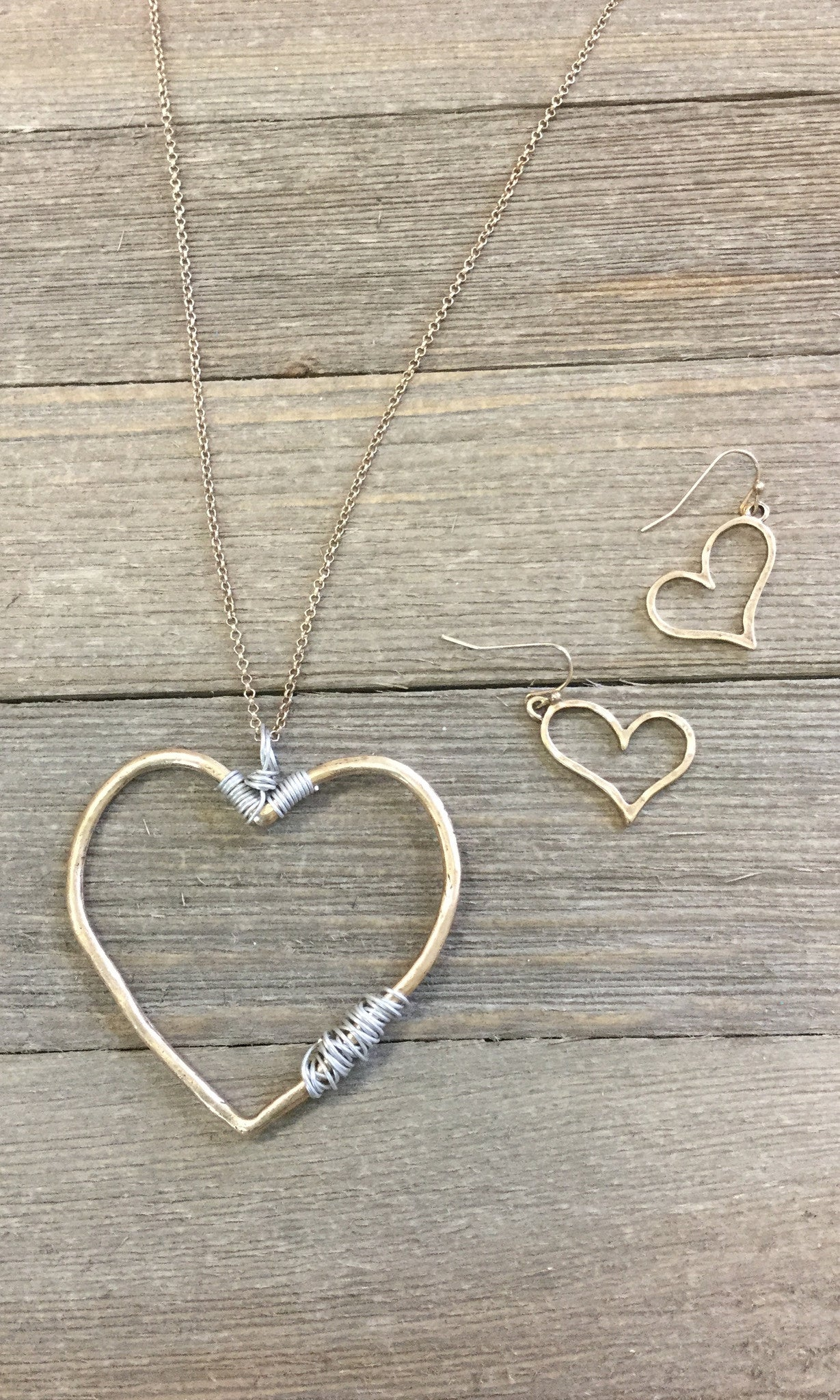Gold Heart Necklace & Earring Set