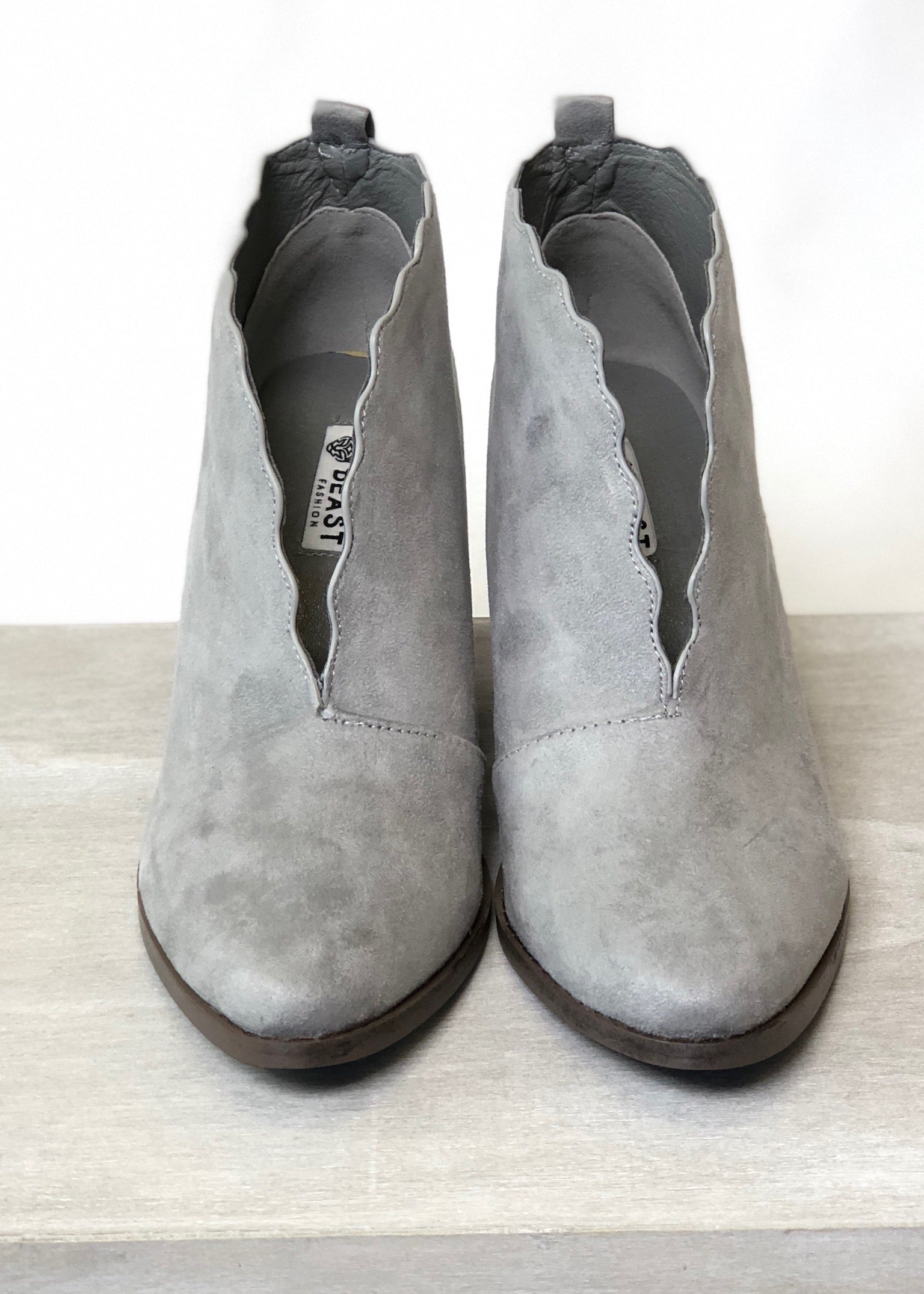 Newberry Scalloped Booties - Grey