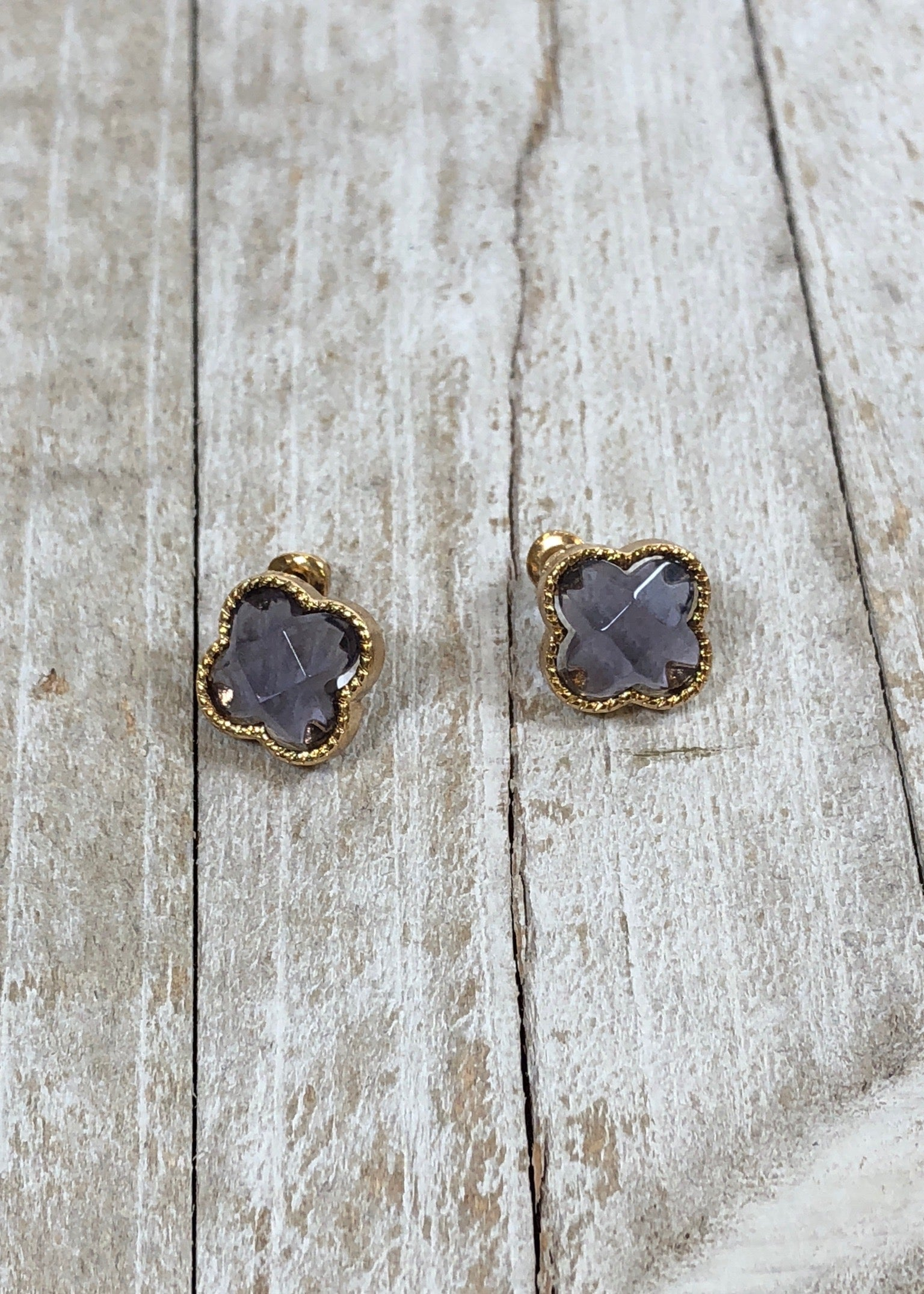 Clover Amethyst Stud Earrings