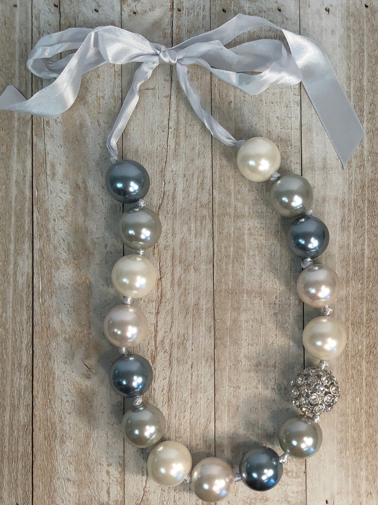 Ribbon Pearl Necklace w/Bling