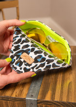 Load image into Gallery viewer, Sunglass Case Lola- By Consuela