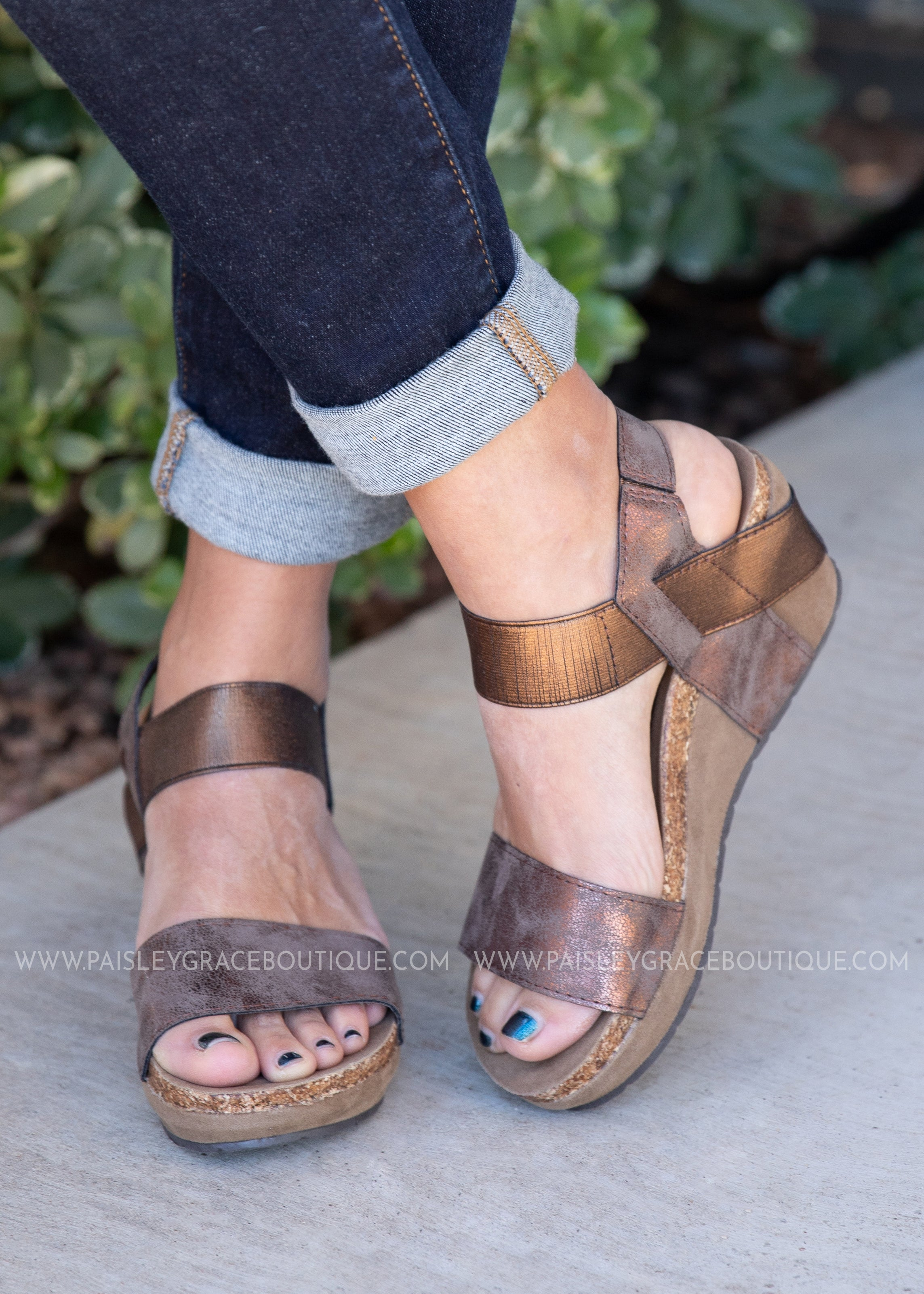 Aleah Wedge Sandal -BRONZE