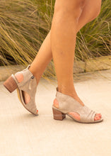 Load image into Gallery viewer, Milan Heeled Sandal-BEIGE