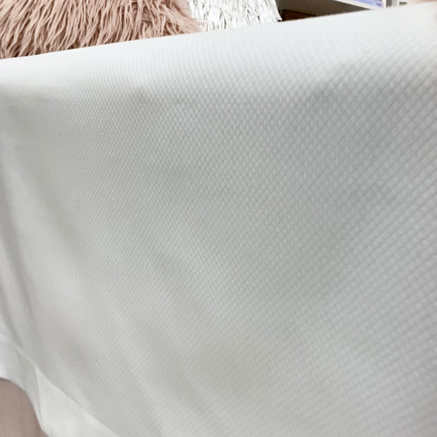 Anne Matelasse Coverlet- White (Twin)