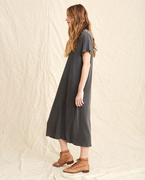 The Boxy Dress. -- Washed Black
