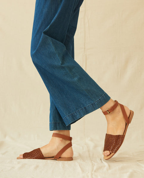 The Caravan Sandal. -- Cognac
