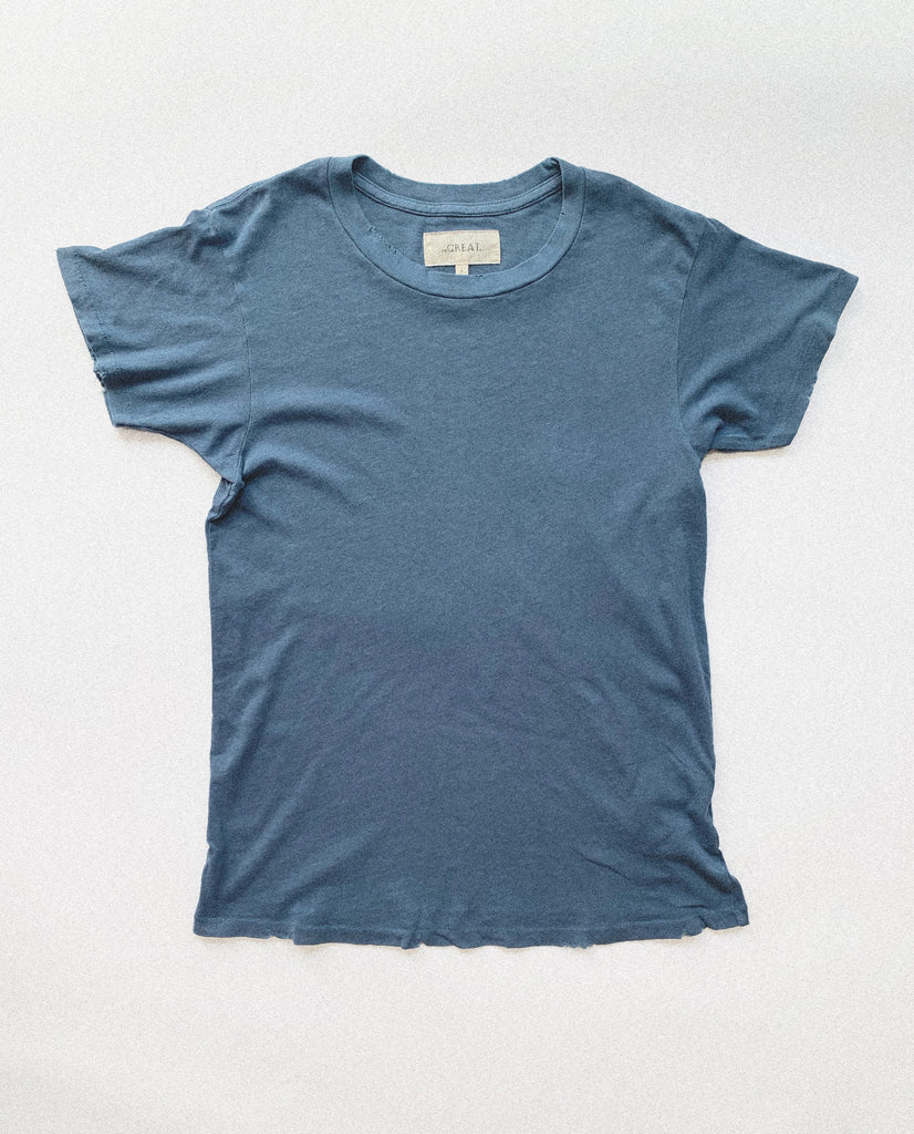 The Slim Tee. Solid -- Vintage Blue