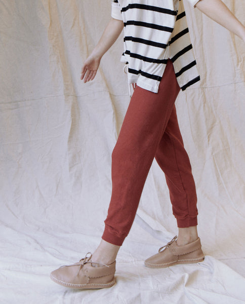 The Cropped Sweatpant. Solid -- BRICK RED