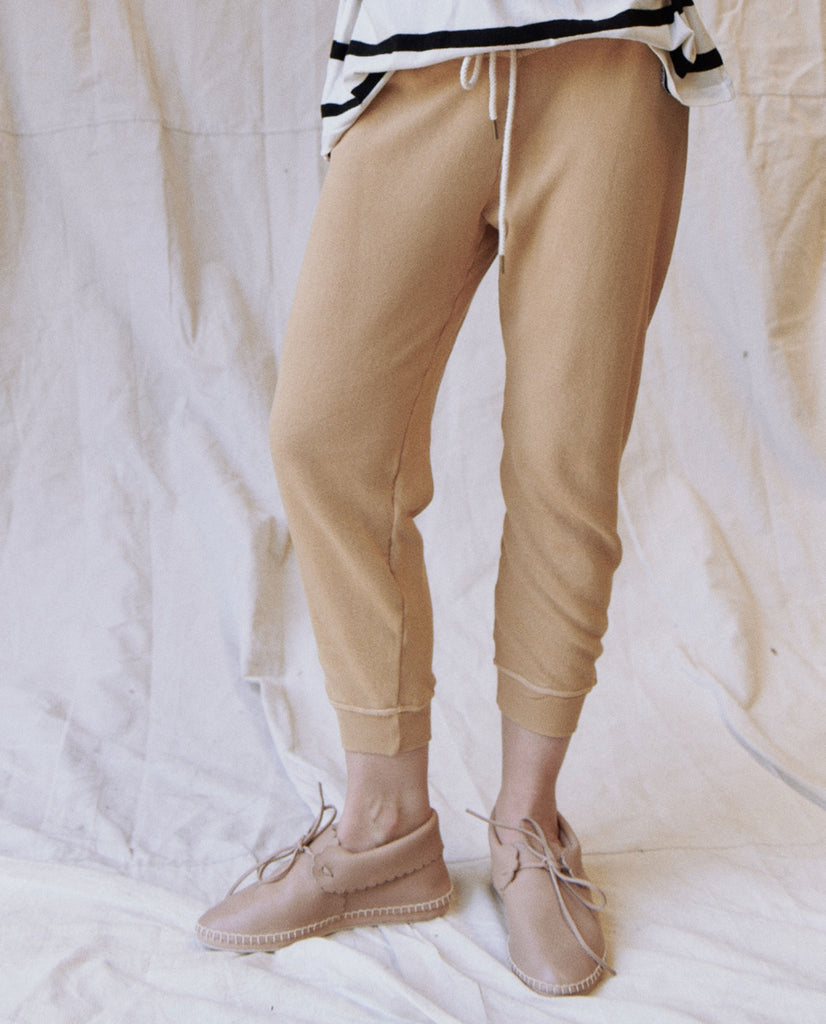 The Cropped Sweatpant. Solid -- SAFFLOWER