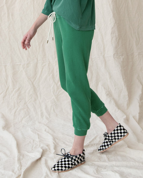 The Cropped Sweatpant. Solid -- BOTTLE GREEN