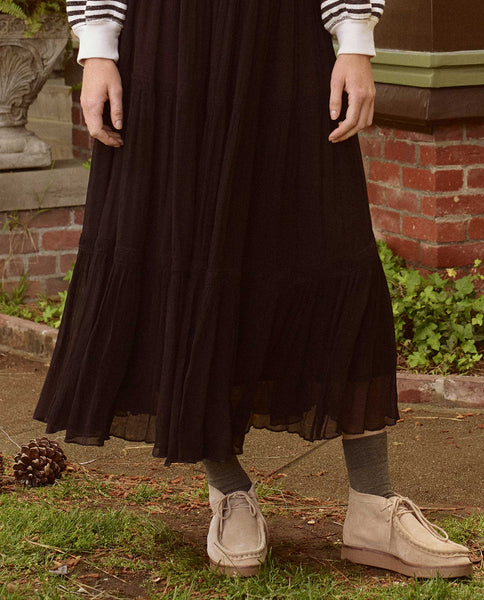 The Elizabethan Skirt. -- BLACK
