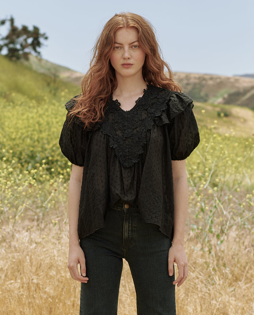 The Lace Prim Top. -- BLACK