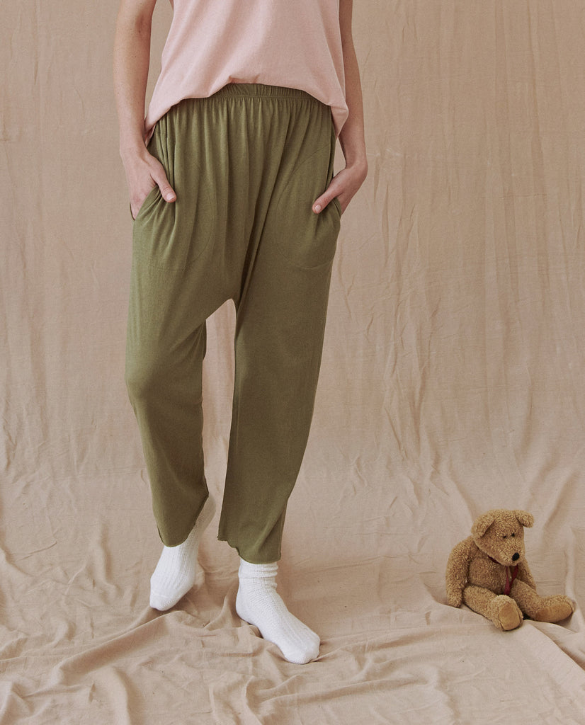 The Lounge Crop. -- ARMY GREEN