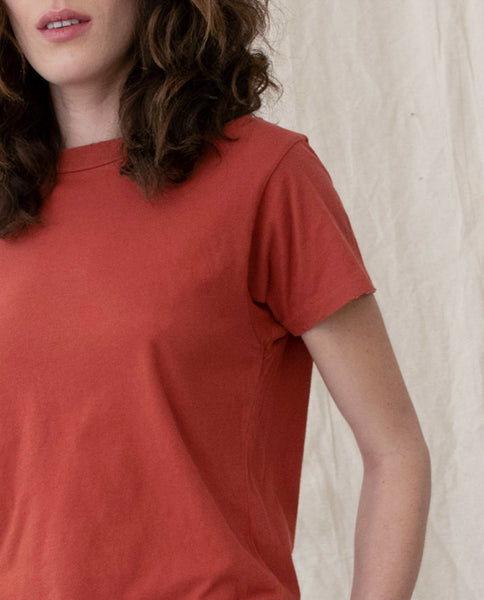 The Slim Tee. Solid -- MAPLE