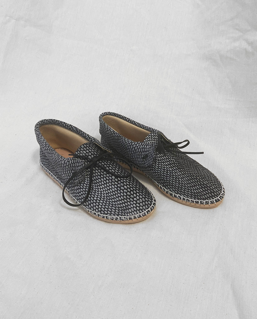 The Canyon Moccasin. -- Black and White Polka Dot