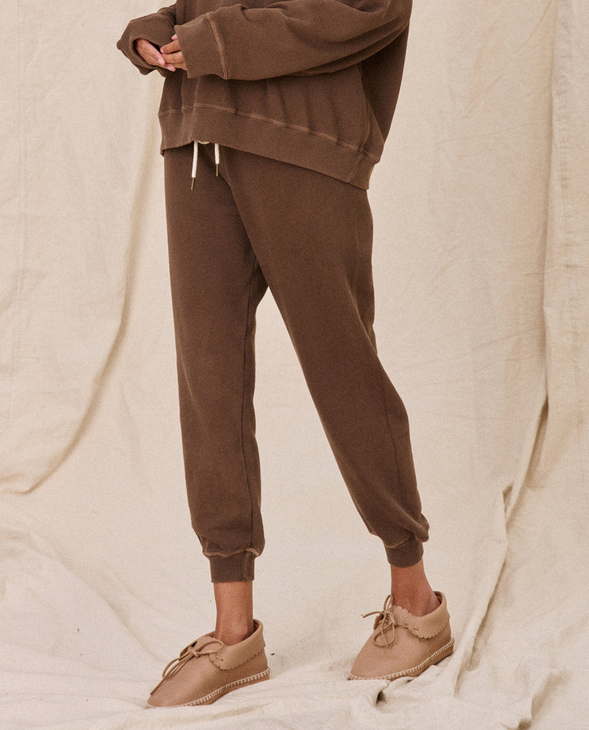 The Cropped Sweatpant. Solid -- CHESTNUT