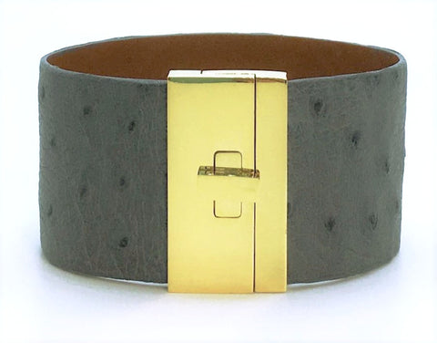 Wide Turnlock Cuff Grey Ostrich
