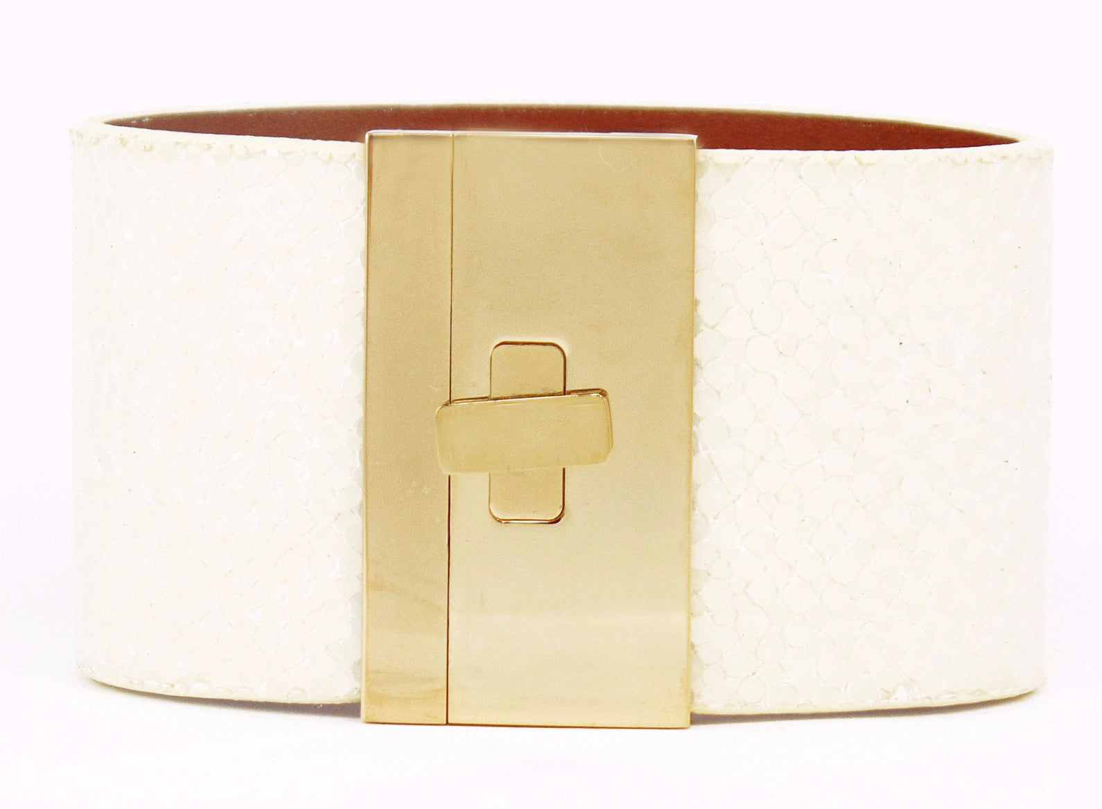 Wide Turnlock Cuff Ivory Polished Stingray