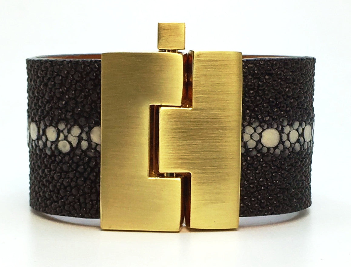 Wide Black Multi-Spine Stingray Jigsaw Cuff