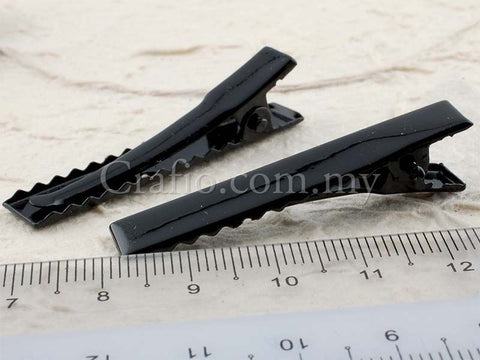 Black Alligator Hair Clip