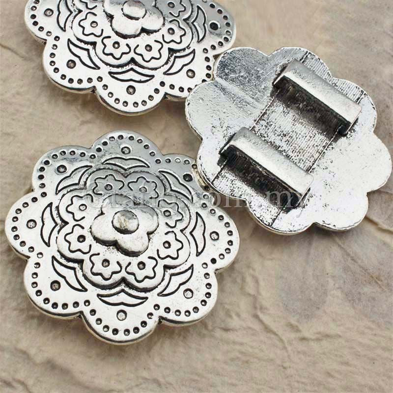 Tibetan Silver Metal Flower Buckle Sliders
