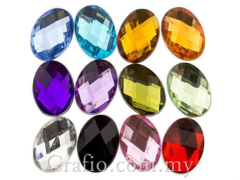 18 mm x 13 mm Oval Rhinestones