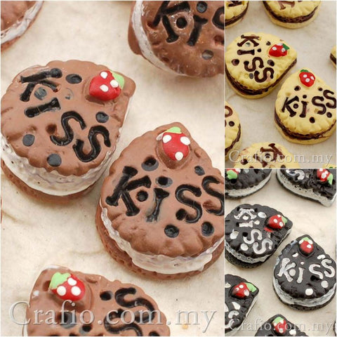 Cabochon Resin Kiss Sandwich Cookies