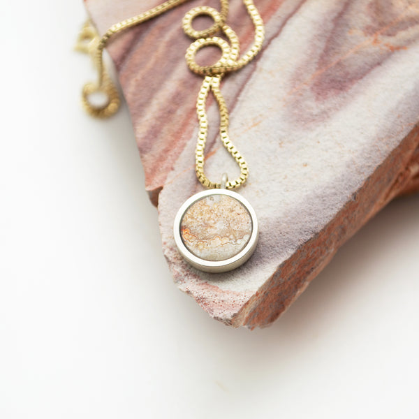 lunar necklace : crazy lace agate (1)