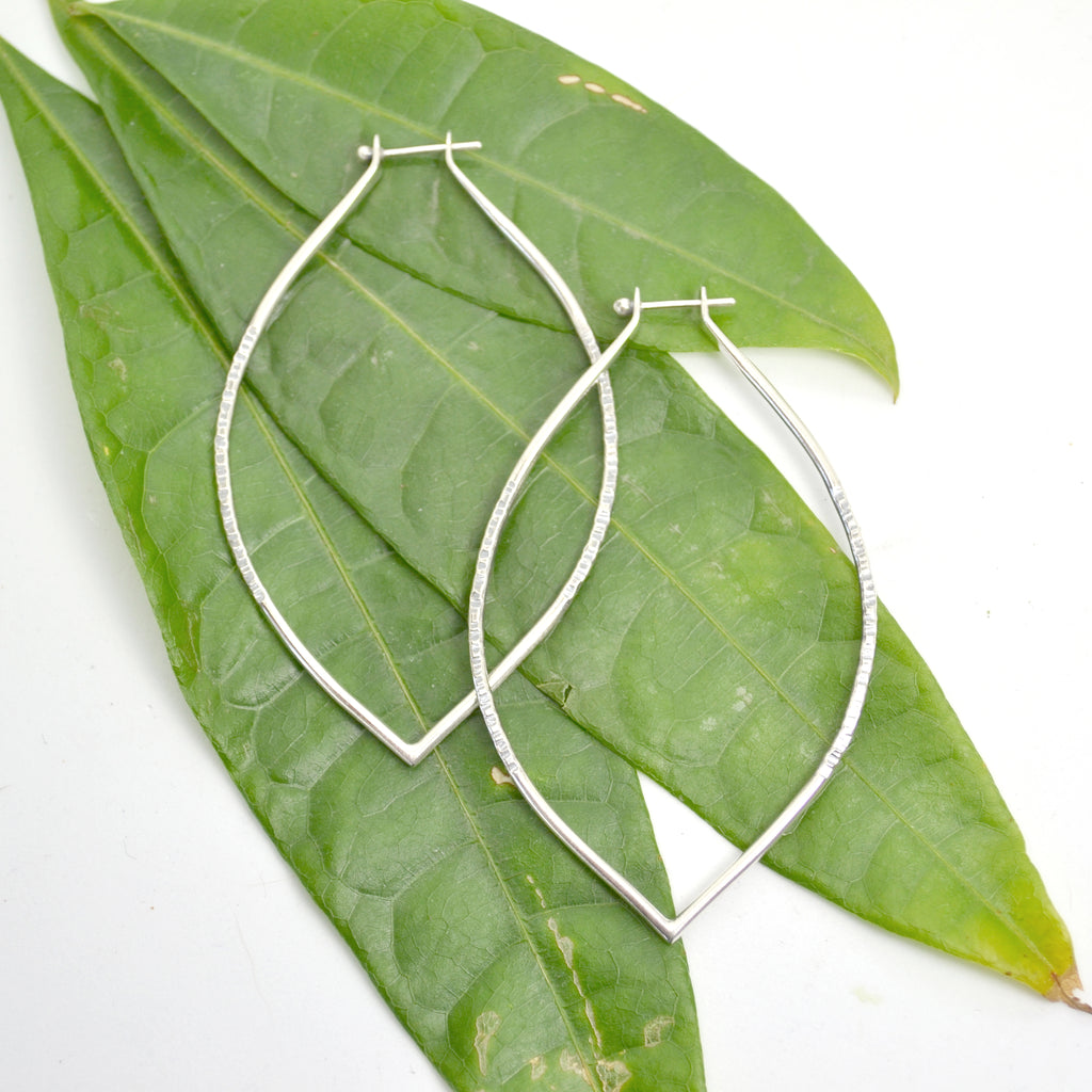 lotus hoop : medium