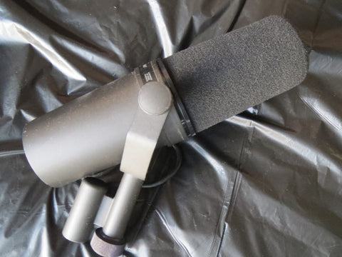 SHURE SM7 VINTAGE CARDIOID DYNAMIC BROADCAST BOOM MIC WITH YOKE & XLR CONNECTOR