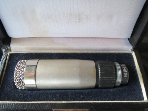 VINTAGE EAST GERMAN FUNKBERATER PGH BERLIN MD30 OMNIDIRECTIONAL DYNAMIC MIC+CASE