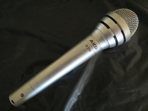AKG D310 VINTAGE DYNAMIC CARDIOID MICROPHONE WITH XLR CONNECTOR